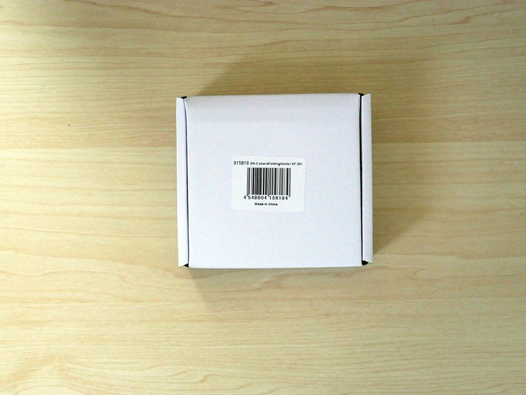 DN-CameraFoldingHolder EF-Z01と書かれた外箱