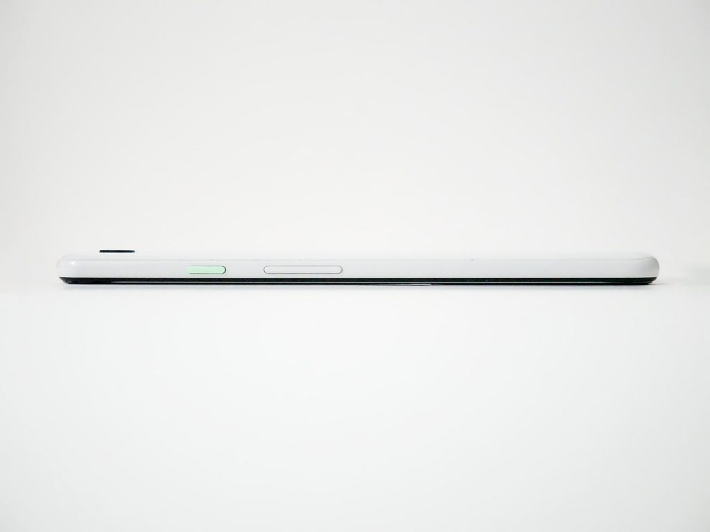 Google Pixel 3 XL本体右側