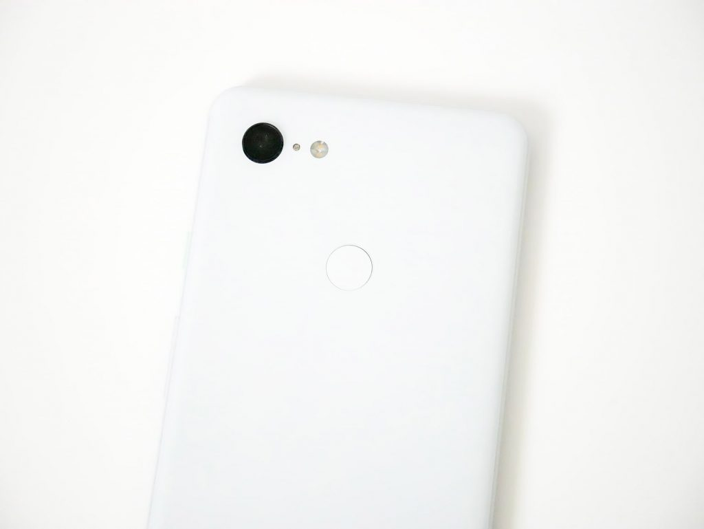Google Pixel 3 XLカメラレンズと指紋認証