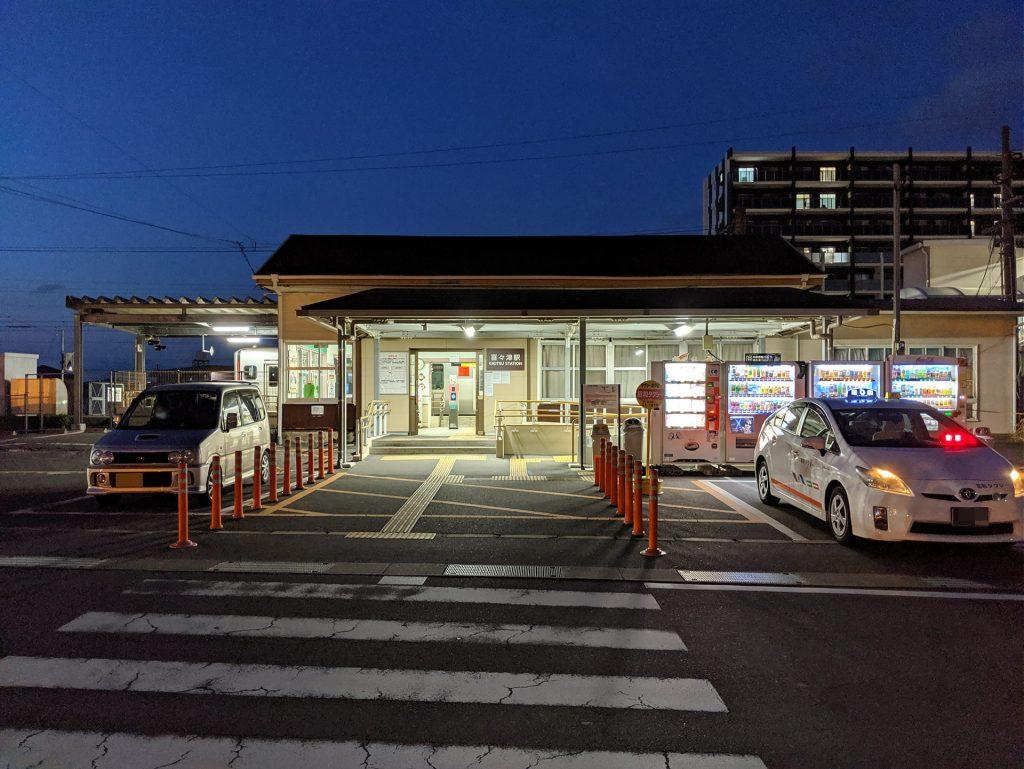Google Pixel 3 XLで撮影した夜の駅の写真