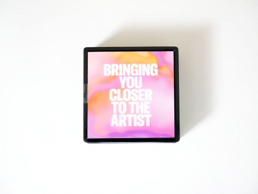 スタートアップガイド「BRINGING YOU CLOSER TO THE ARTIST」