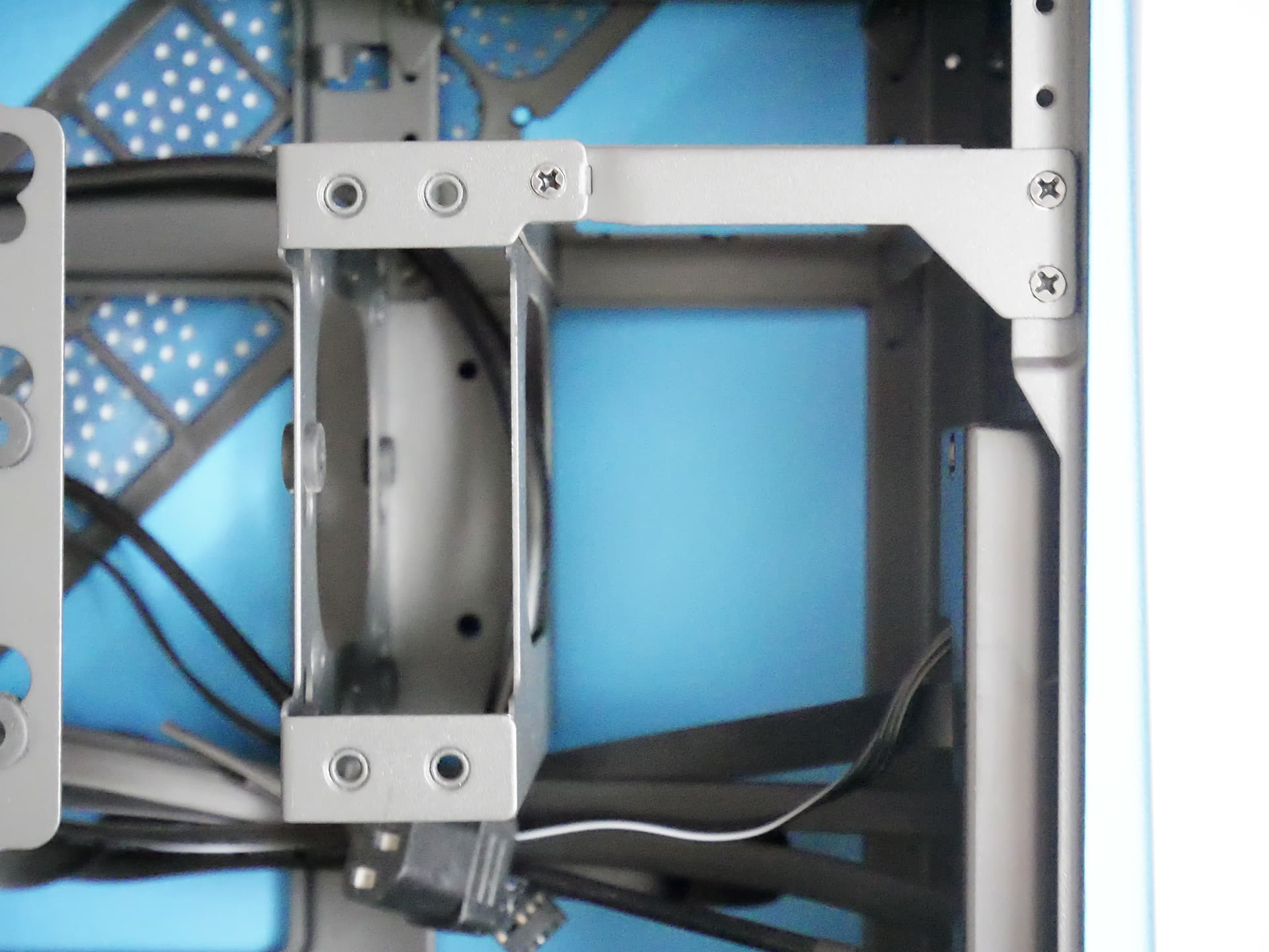 Fractal Design Era ITX SFX電源ブラケット
