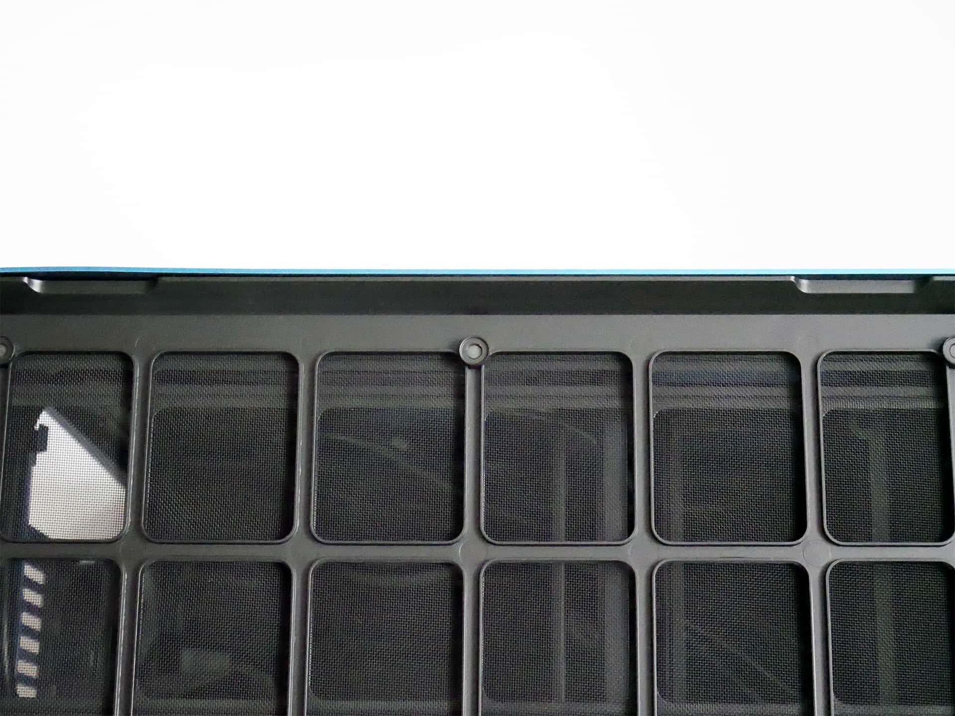 Fractal Design Era ITX トップパネルのくぼみ