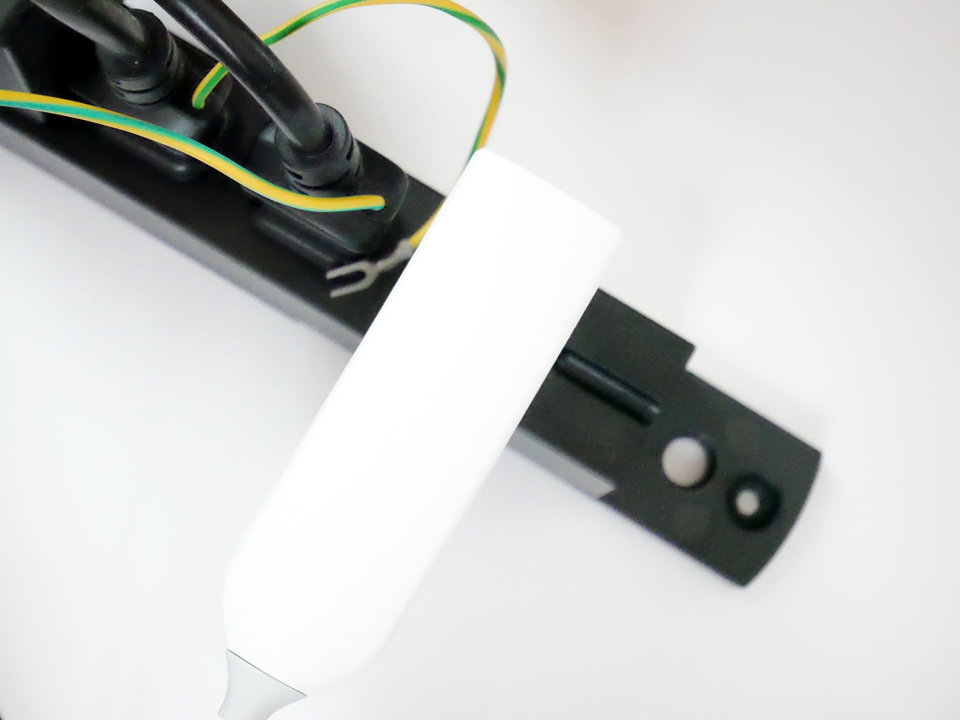 Deco X20 ACアダプターをタップに接続