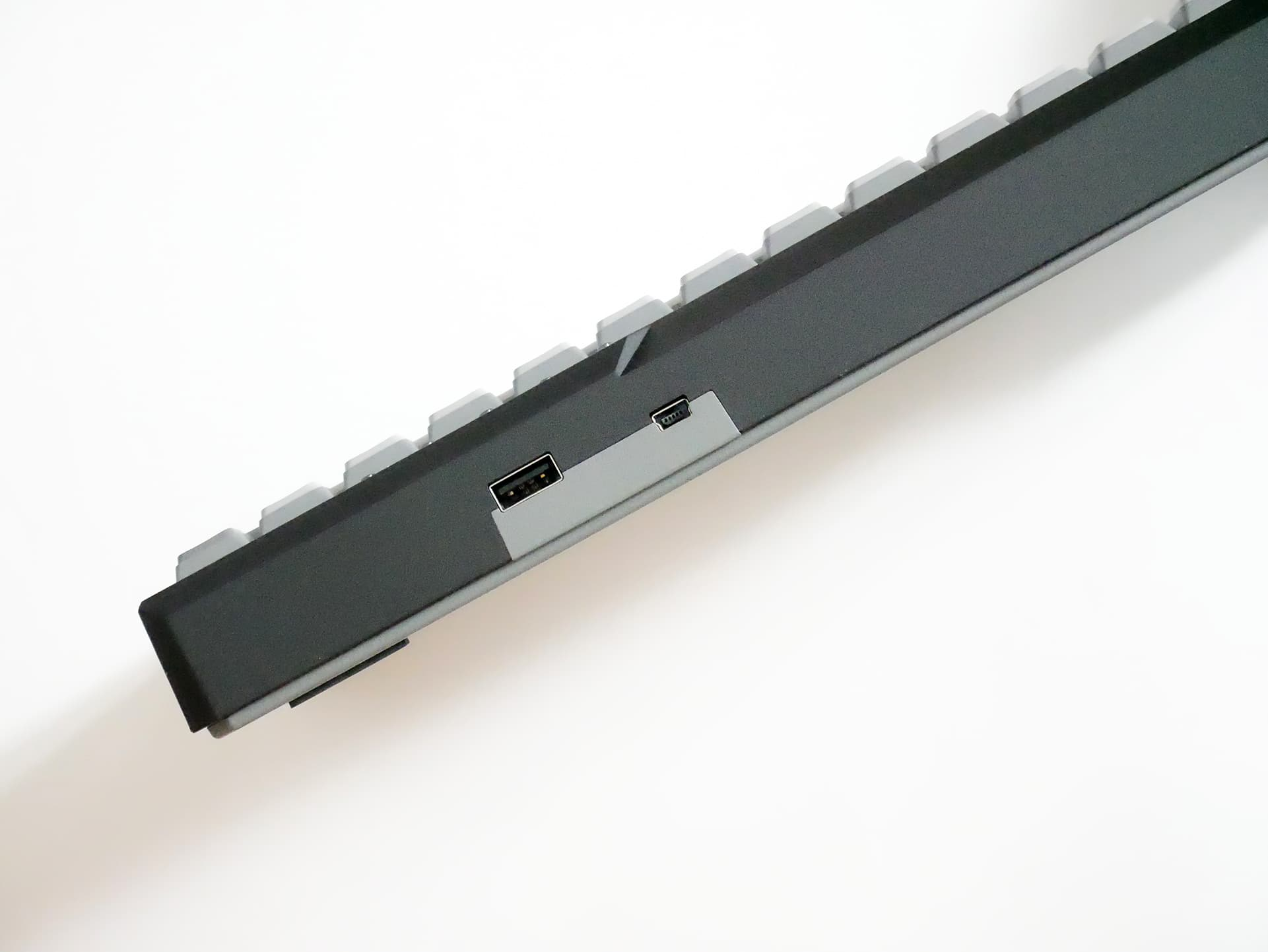 Majestouch MINILA-R Convertible USBポート