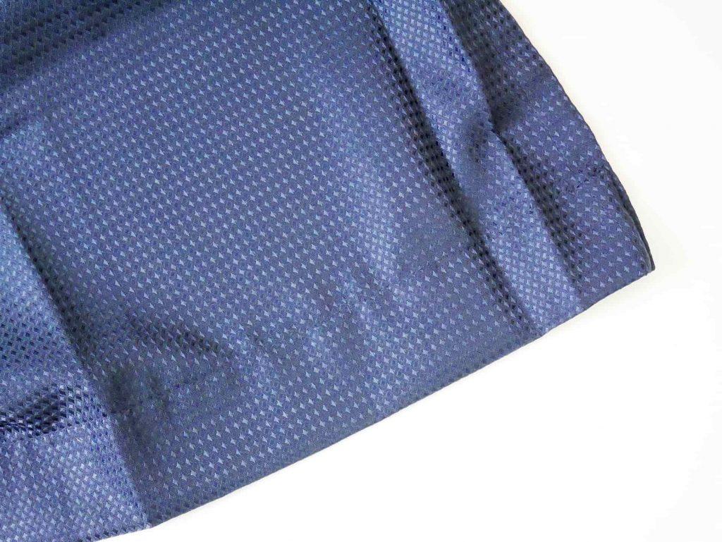 ネイビーのドレープカーテン