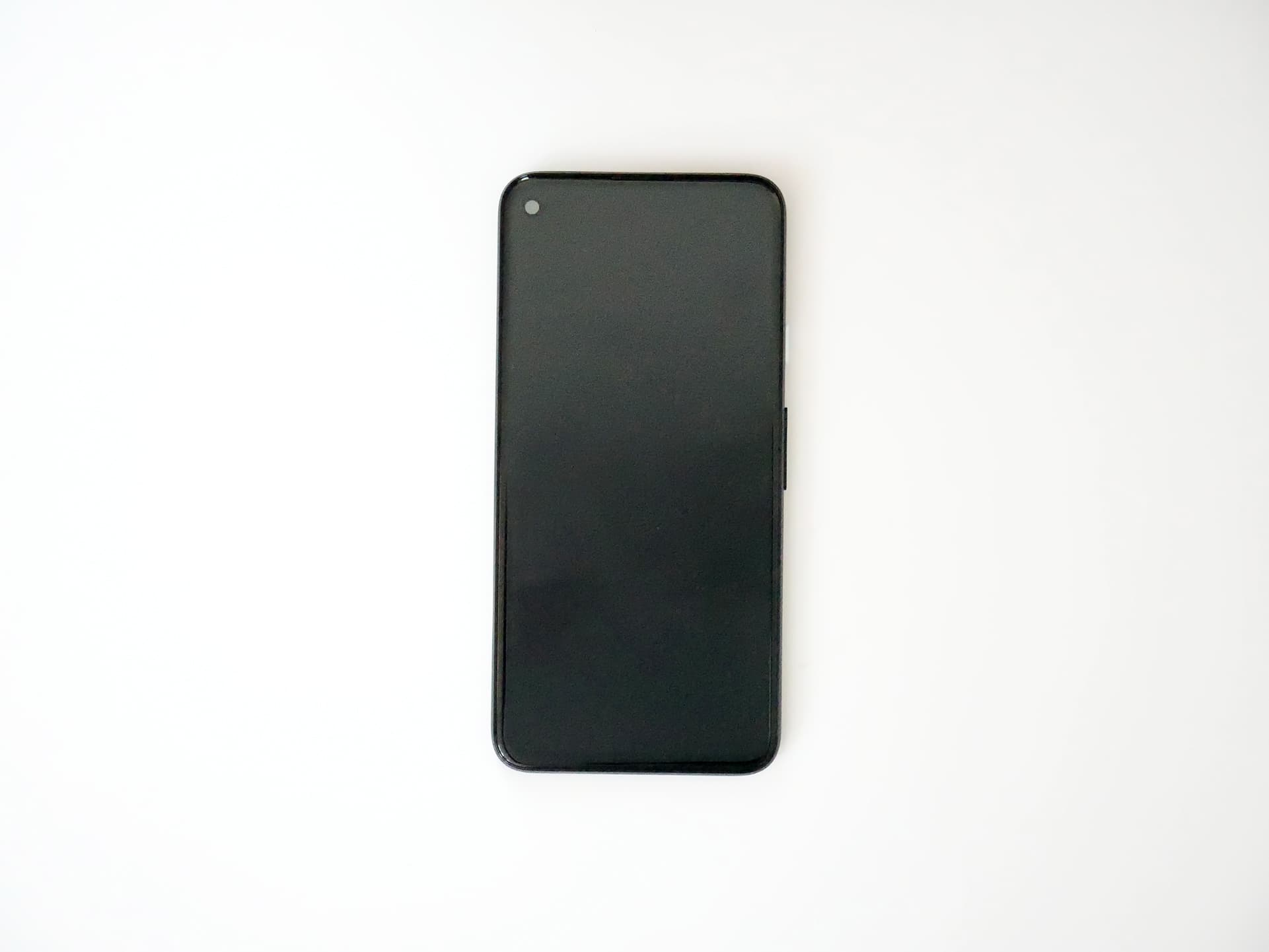 Pixel 4a 表面