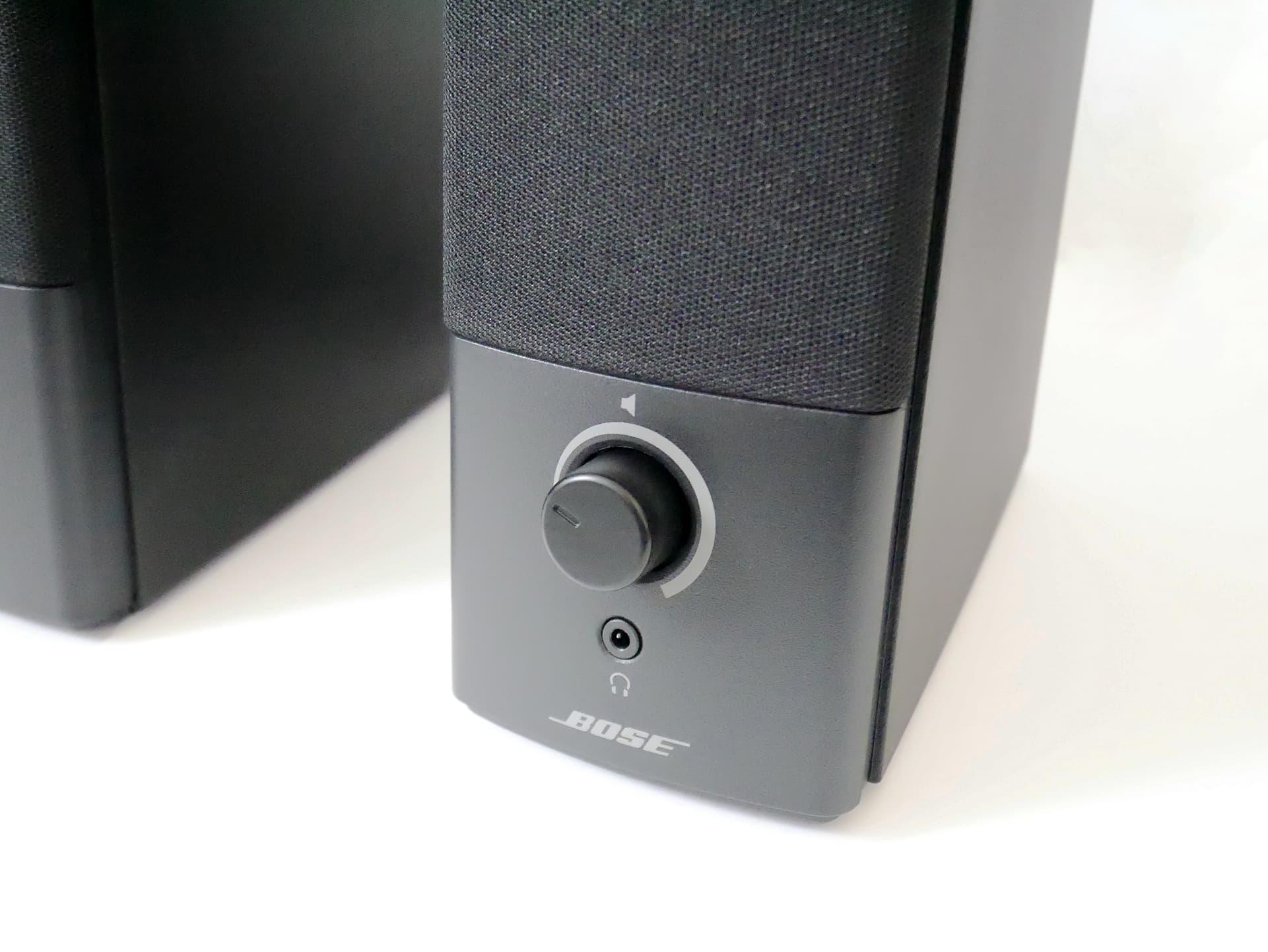 Bose Companion 2 Series III ダイヤル