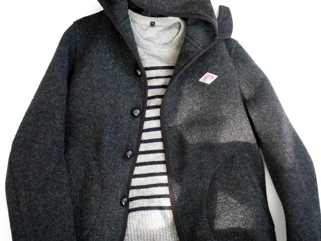 DANTONのジャケットとグレーのボーダーニットの組み合わせ