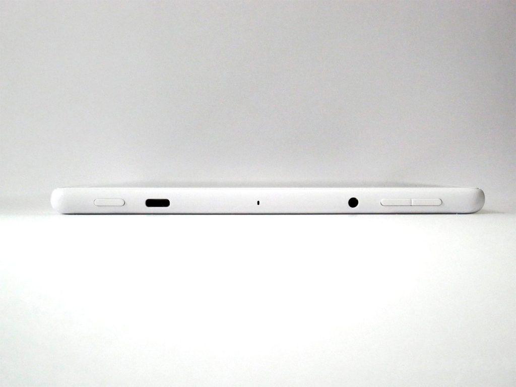 Fire HD 10 タブレット(第9世代)上部